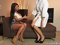 sadie introduces nurumassage to august taylor