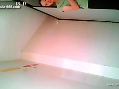 chinese girls go to toilet.49