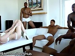 devilsfilm dahlia sky has 5 big cocks all to herself!