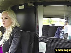 busty female cabbie cocksucking uk passenger