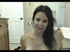mom spray and fucks pussy