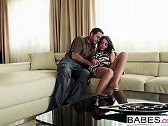 babes.com - leather grind sophie lynx
