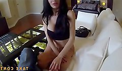 WOW! Rebbeca Beg For Sweet Cumshot
