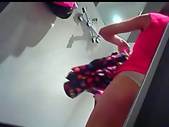 bootyful amateur girl filmed on a hidden camera in a changing room