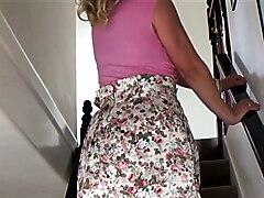 Another short skirt flirt