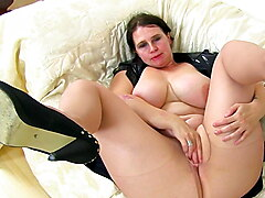Busty BBW milf Jane from England works her creamy cunny