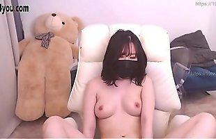 Nice Boob Korean BJ show cam nude !