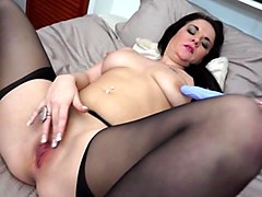 amateur sexy mom needs a good fuck