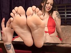 Bare foof latina foot worship