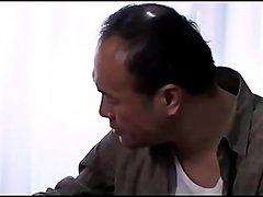 De Japanse dronken echtgenoot wil de vriend van zijn vrouw doden (Zie meer: shortina.com/zsYz)