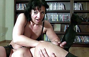 Meine Pisse aus seinem Arsch gefistet - Gabriela-Bitch