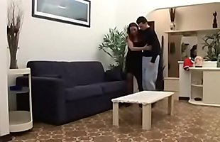 Italian mom take advantage of her injuried stepson full video http://bit.ly/2UH3Fnxe