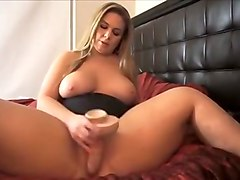 Crazy Amateur record with Blonde, Toys scenes
