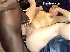 Teen Puts Her Wrist in Her Pussy