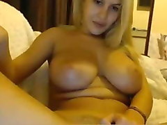 gorgeous busty blonde webcam