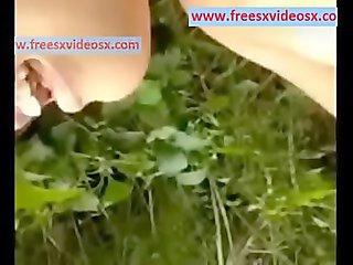 Ngewe dikebun teh more vid : www.freesxvideosx.com