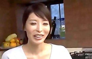 Hai mẹ con loạn lu&acirc_n sau lưng &ocirc_ng bố - full: http://zo.ee/6C8Yg