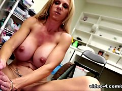 Brooke Tyler: Milking With My Mounds - ClubTug