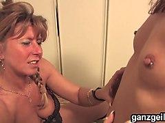 ganzgeil.com german lesbians masturbating