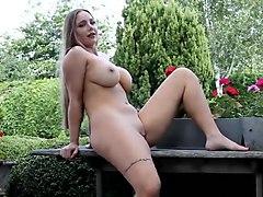 nude photoshoot