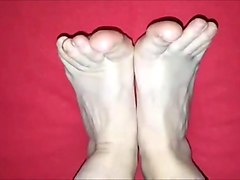 pitsa moves her sexy (size 39) feet