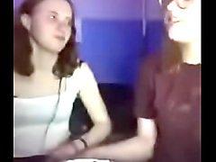 periscope girls kissing gf