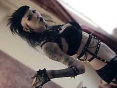 goth babe plays with butt plug and big black dildo.mp4