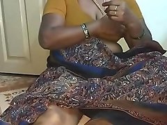 Real Indian big boobs aunty
